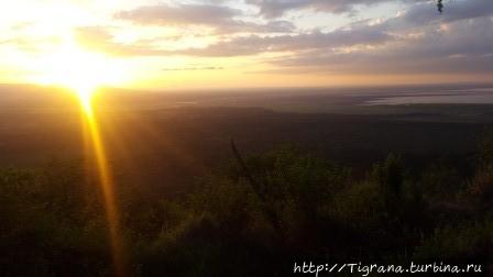 Озеро Маньяра на рассвете