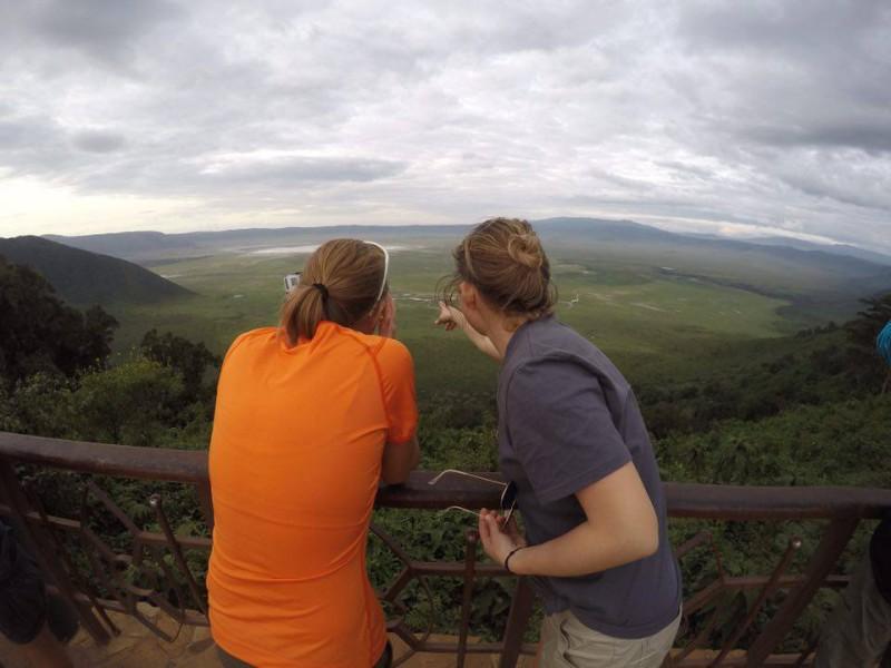 Сафари_внизу кратер Нгоронгоро