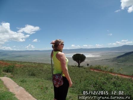 внизу Нгоронгоро